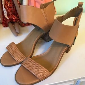 Lucky Brand EEUC leather sandals